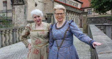 Echte Hingucker! – Neue Kostüme für das Weserrenaissance-Museum