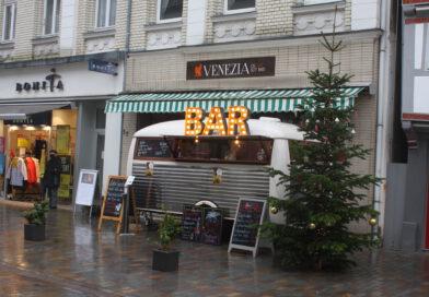 Buden sorgen für Weihnachtsflair in Lemgos Fußgängerzone