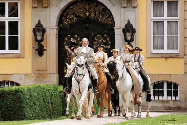 Landpartie-Schloss-Bueckeburg_Fuerstliche-Hofreitschule_©Landpartie-Schloss-Bueckeburg